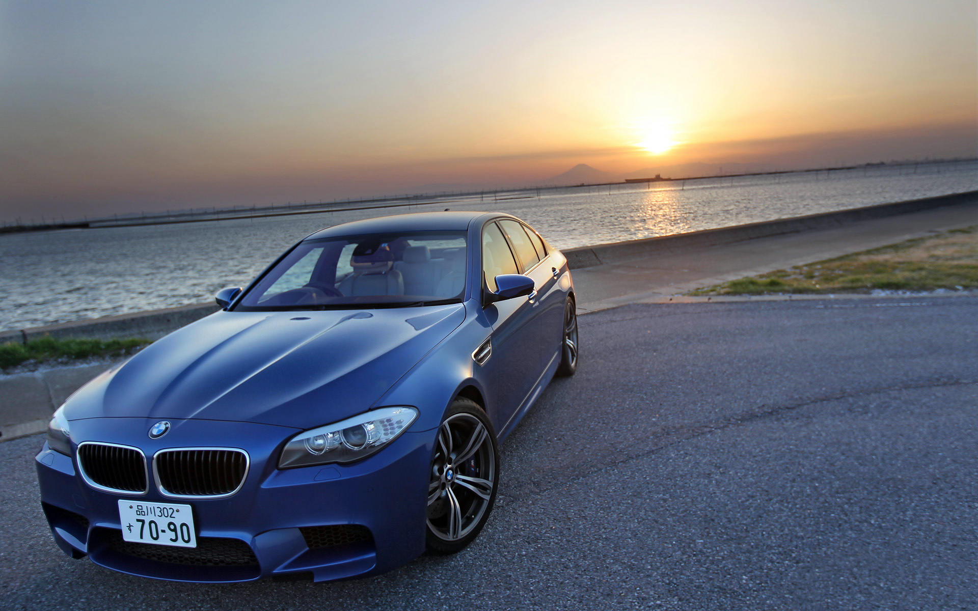 BMW M5 Wallpaper Sunset At Beach