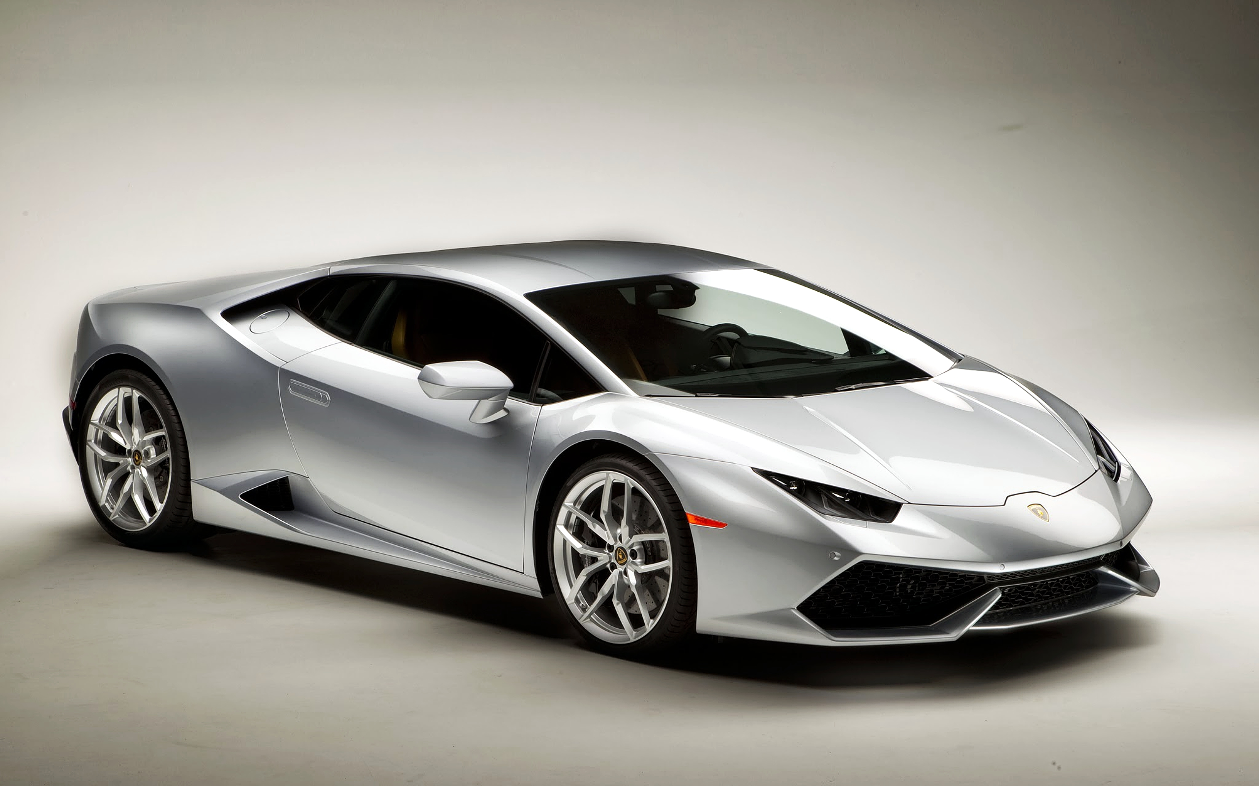 Lamborghini Huracan Silver Wallpaper Backgrounds