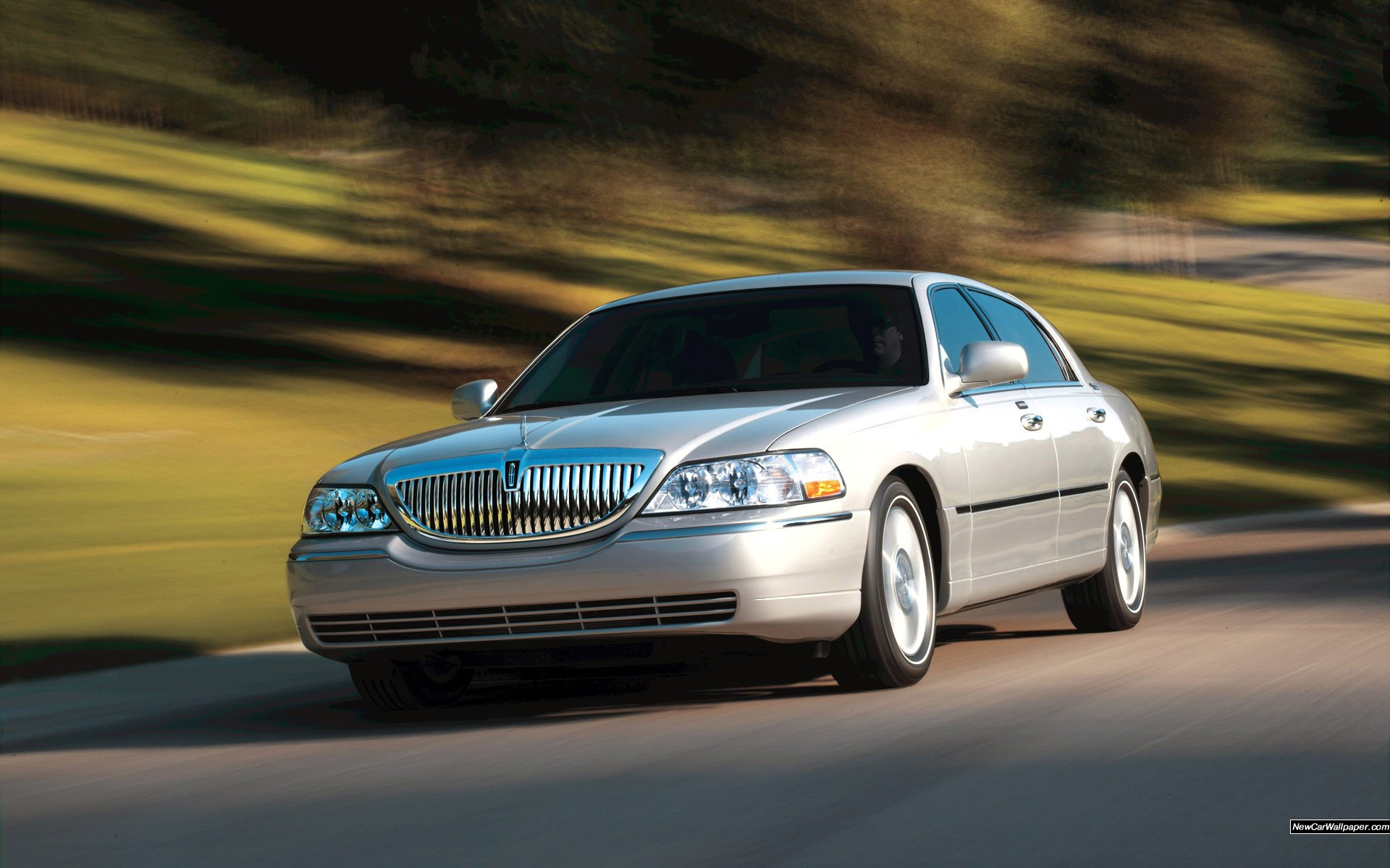 Lincoln Town Wallpaper Image Picture