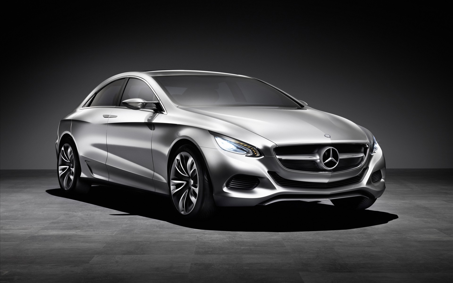 Mercedes Benz F800 Wallpaper Photos
