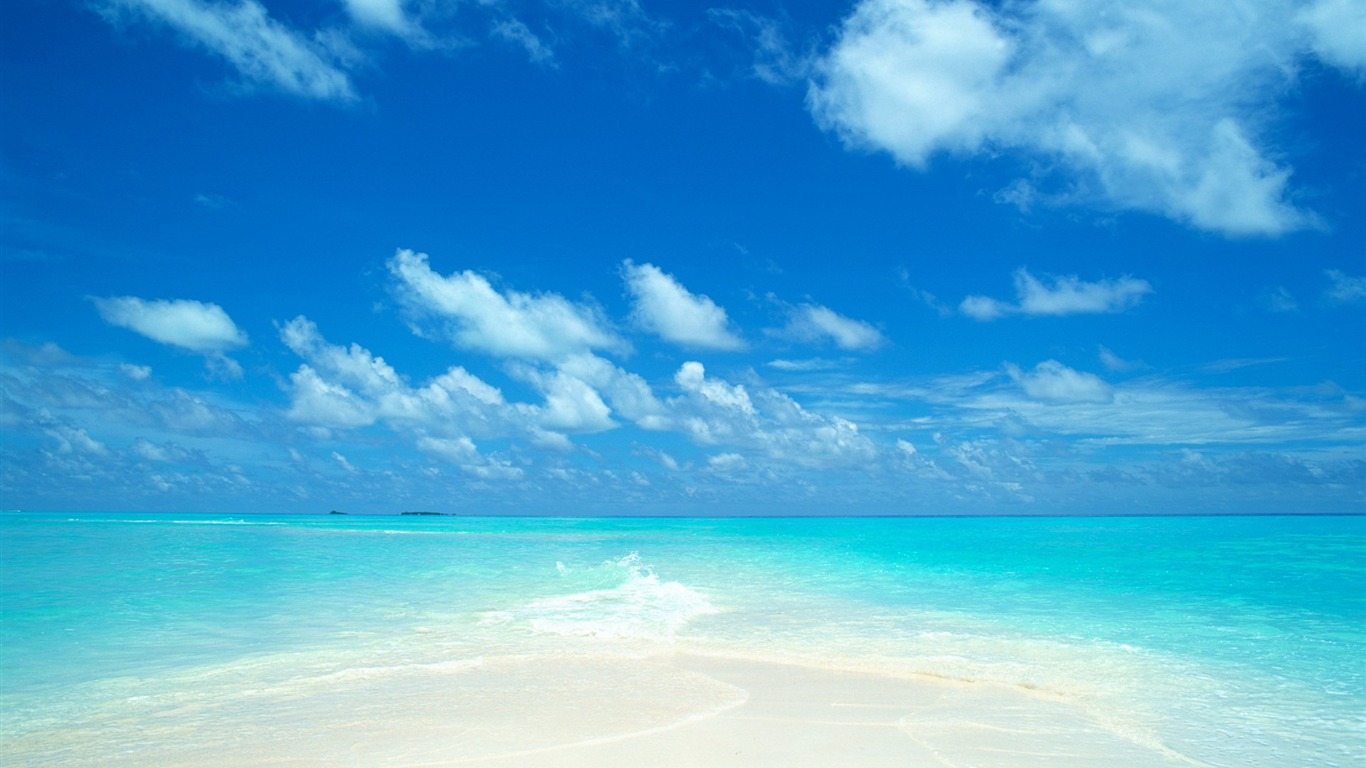 Fresh Beach Background Sky 1366×768