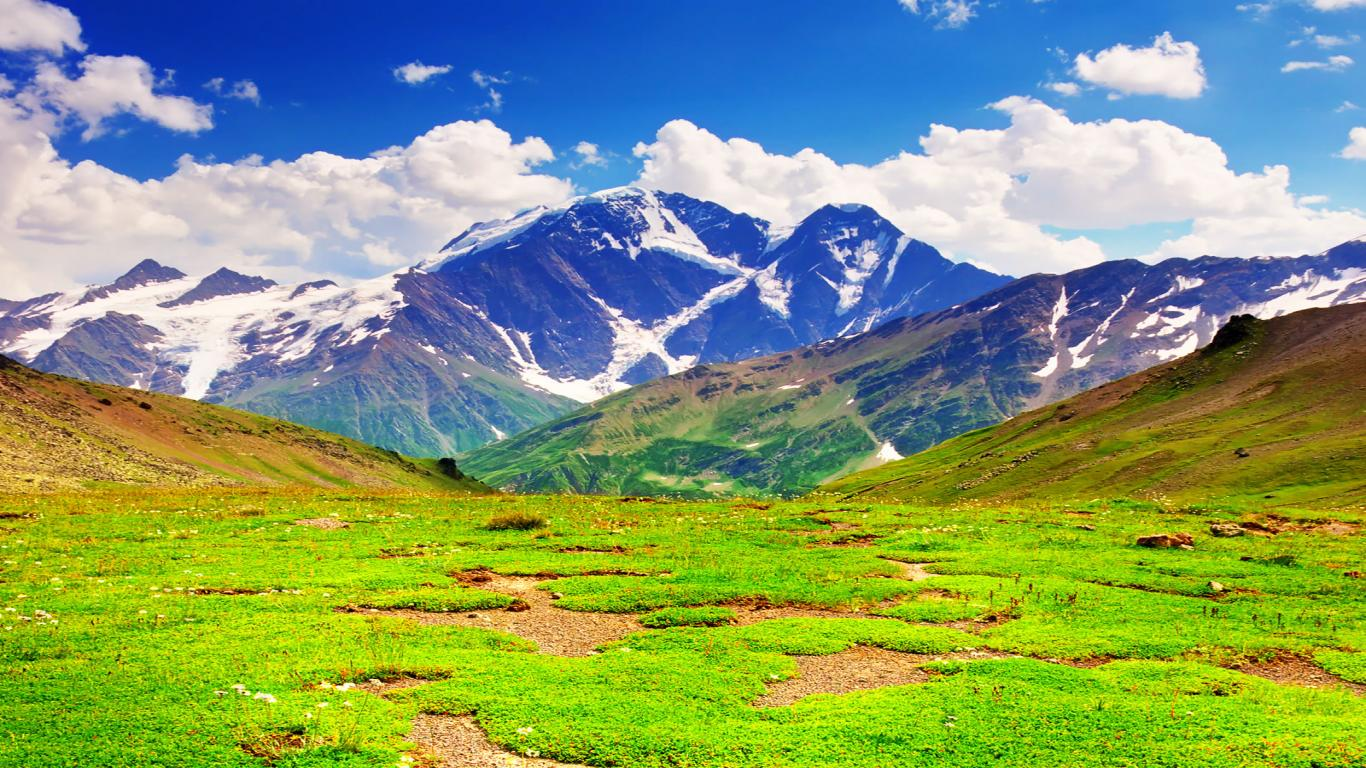 Mountain Green Wallpaper 1366×768