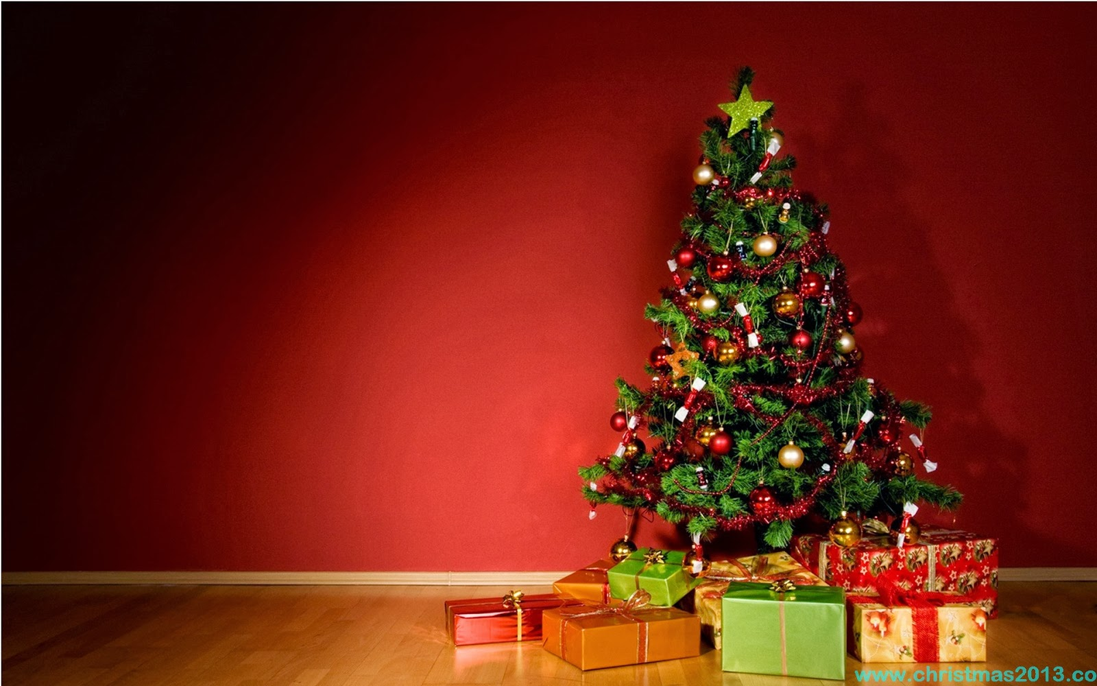 Christmas Tree Wallpaper Free Download
