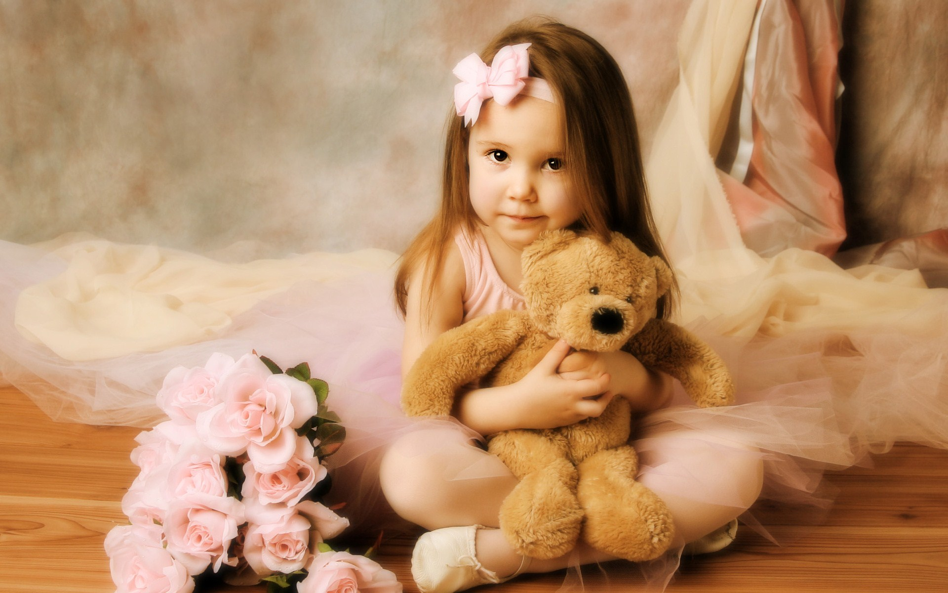 Teddy Bear Doll Rose Wallpaper