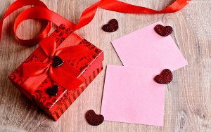 Box Pink Valentine Surprise 2015 Wallpaper