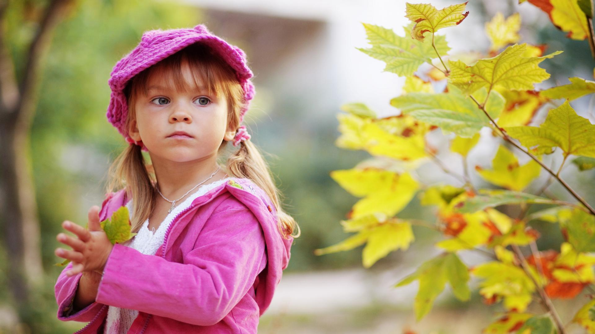 Baby Child In Autumn Hd Wallpaper