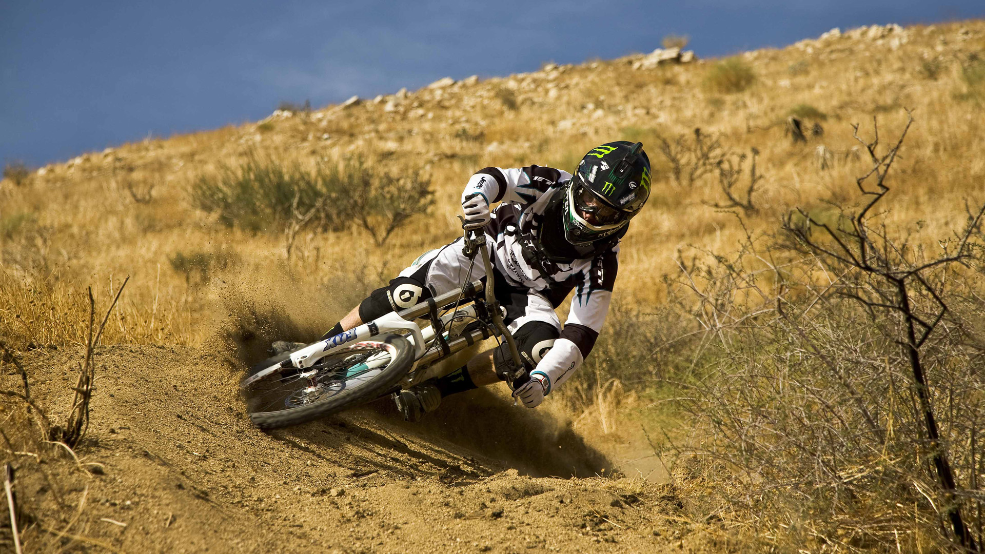Bicycle Sports Dirty Image HD