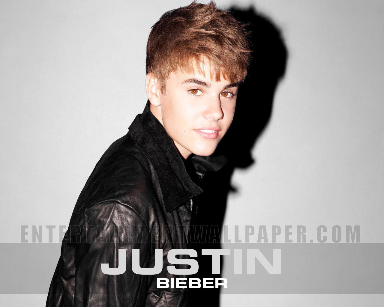 Justin Bieber Entertainment Desktop