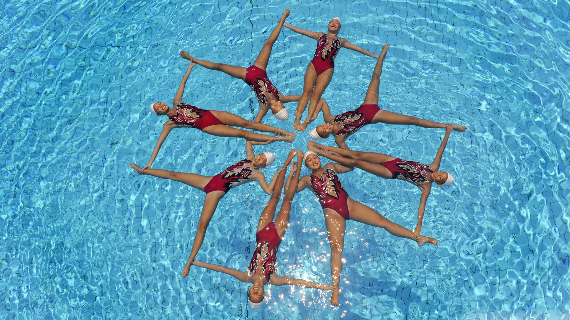 Synchronized Sports Swimming Pool HD Image