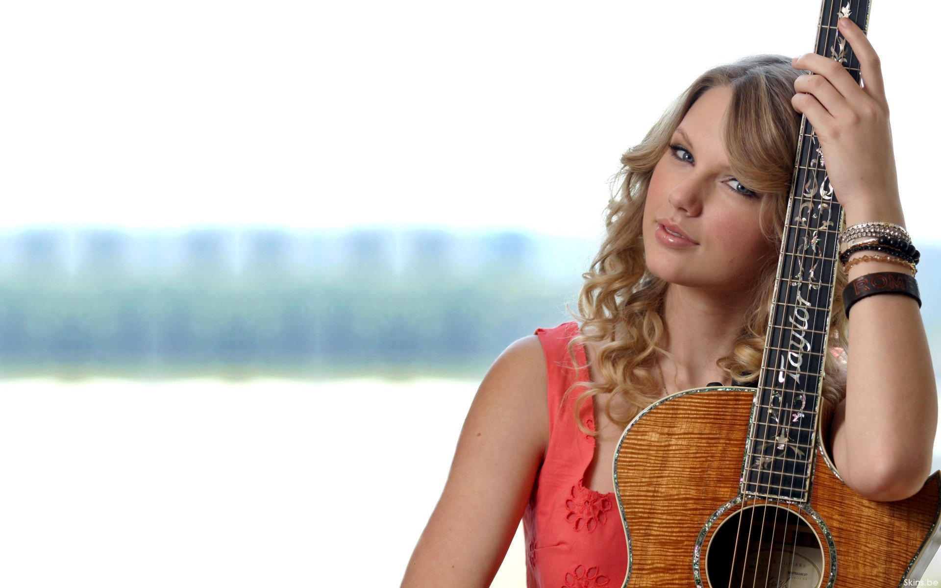 Taylor Swift Guitar Wallpaper